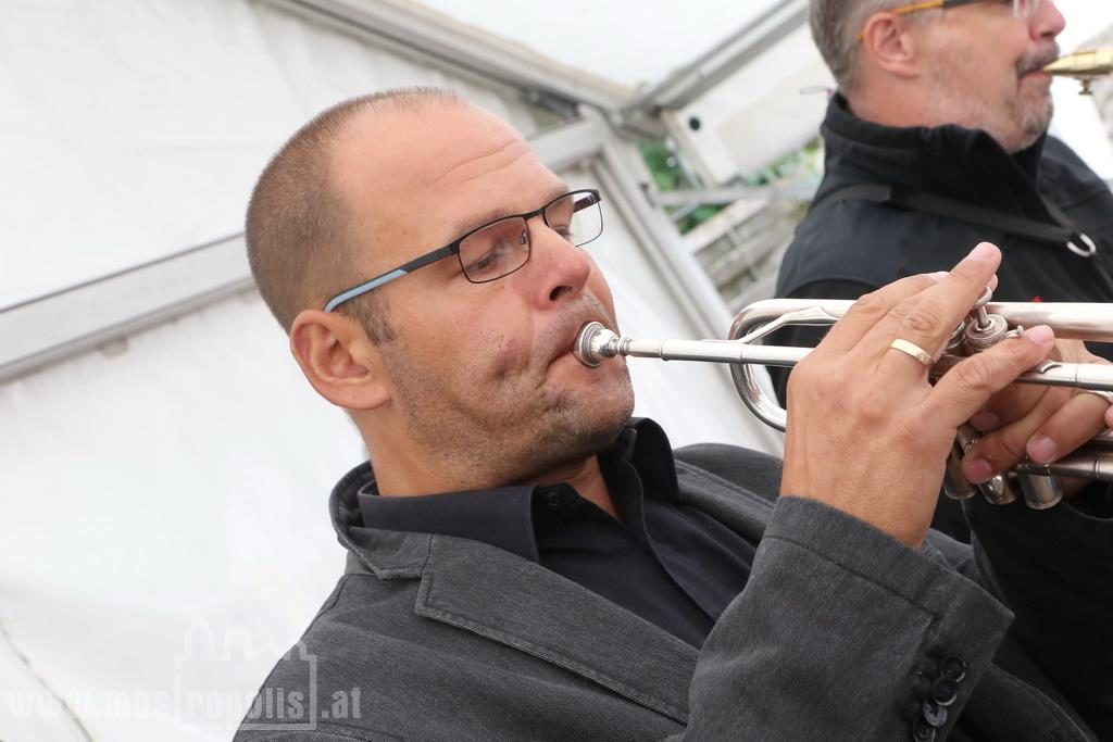 _.._upload_graphics_reports_2015_09_7793_050_Riesenhuber_Baeckerei_JazzBrunch